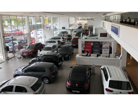 SHOWROOM Y TALLER VOLKSWAGEN